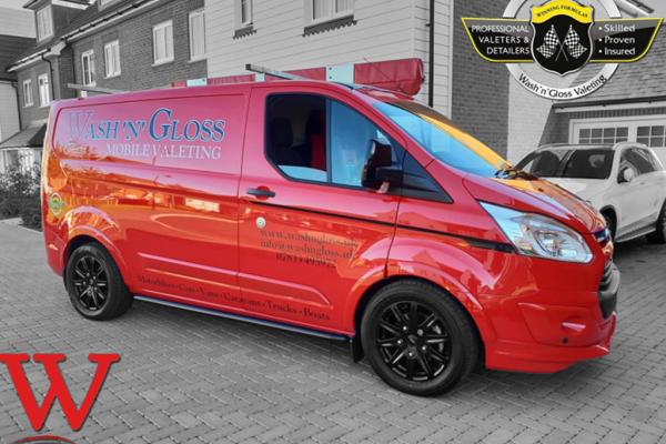 washngloss-mobile-valeting-van